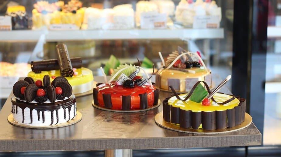 2. Cake full sugar